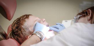 Dziecko z ADHD z wizytą u dentysty