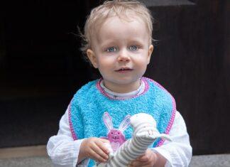 śliniak dziecięcy - czym kierować się podczas wyboru?