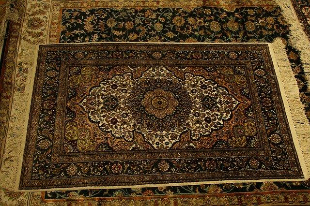czym wyprać dywan