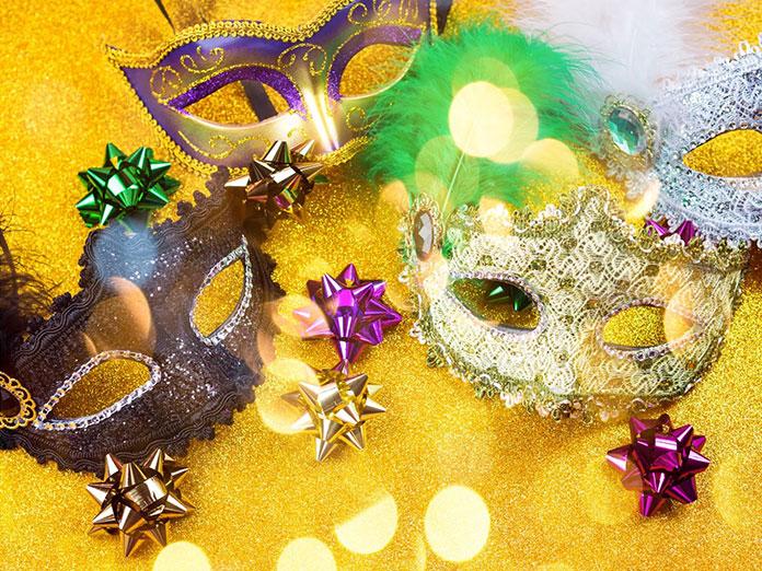 kostiumy karnawałowe, maski